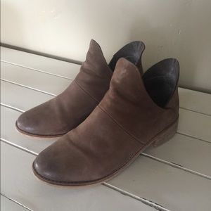 Crevo Shoes - Crevo Ankle Booties
